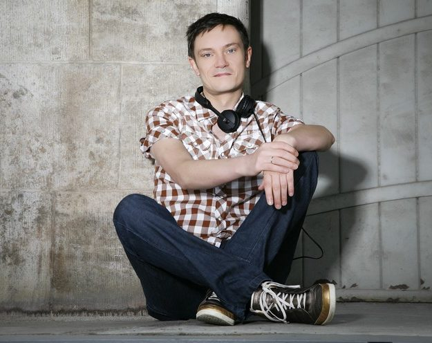 "RALF GUM SUPPORTS ""SILENCE OF THE SUN"""